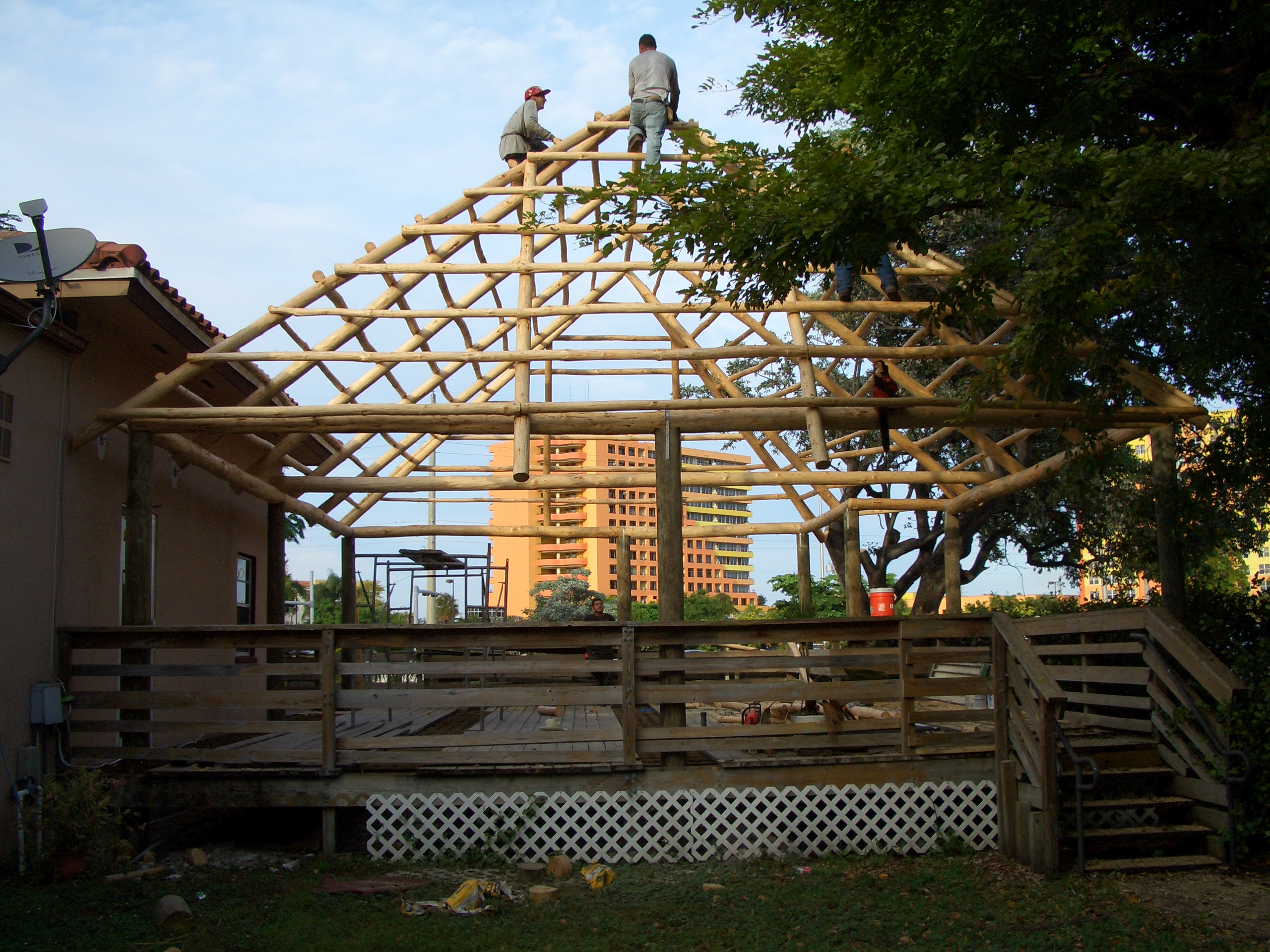 tiki hut frame workers